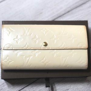 💯% Authentic LOUIS VUITTON wallet